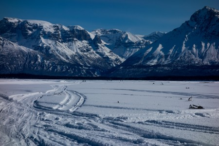 Skiers on the Nizina River outside of McCarthy on Day 1 of the AMWSC. Photo: Seth Adams