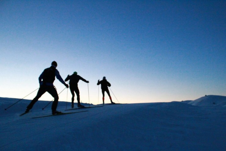 Skiing throughout the sunrise (photo: Simi Hamilton)