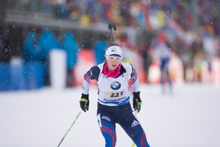U.S. third leg Annelies Cook in the course of the women's relay on Thursday in Ruhpolding, Germany. (Photo: USBA/NordicFocus)