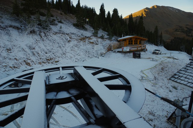 Snowmaking commences at Loveland