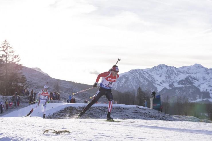 Nathan Smith (Biathlon Canada) racing to 18th in the IBU Globe Cup pursuit in Hochfilzen, Austria. (Photograph: Fischer/NordicFocus)