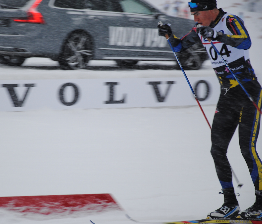 Scott James Hill (NDC Thunder Bay) racing to 131st in the FIS season-opening 15 k classic in Beitostølen, Norway. (Photo: Aleks Tangen)